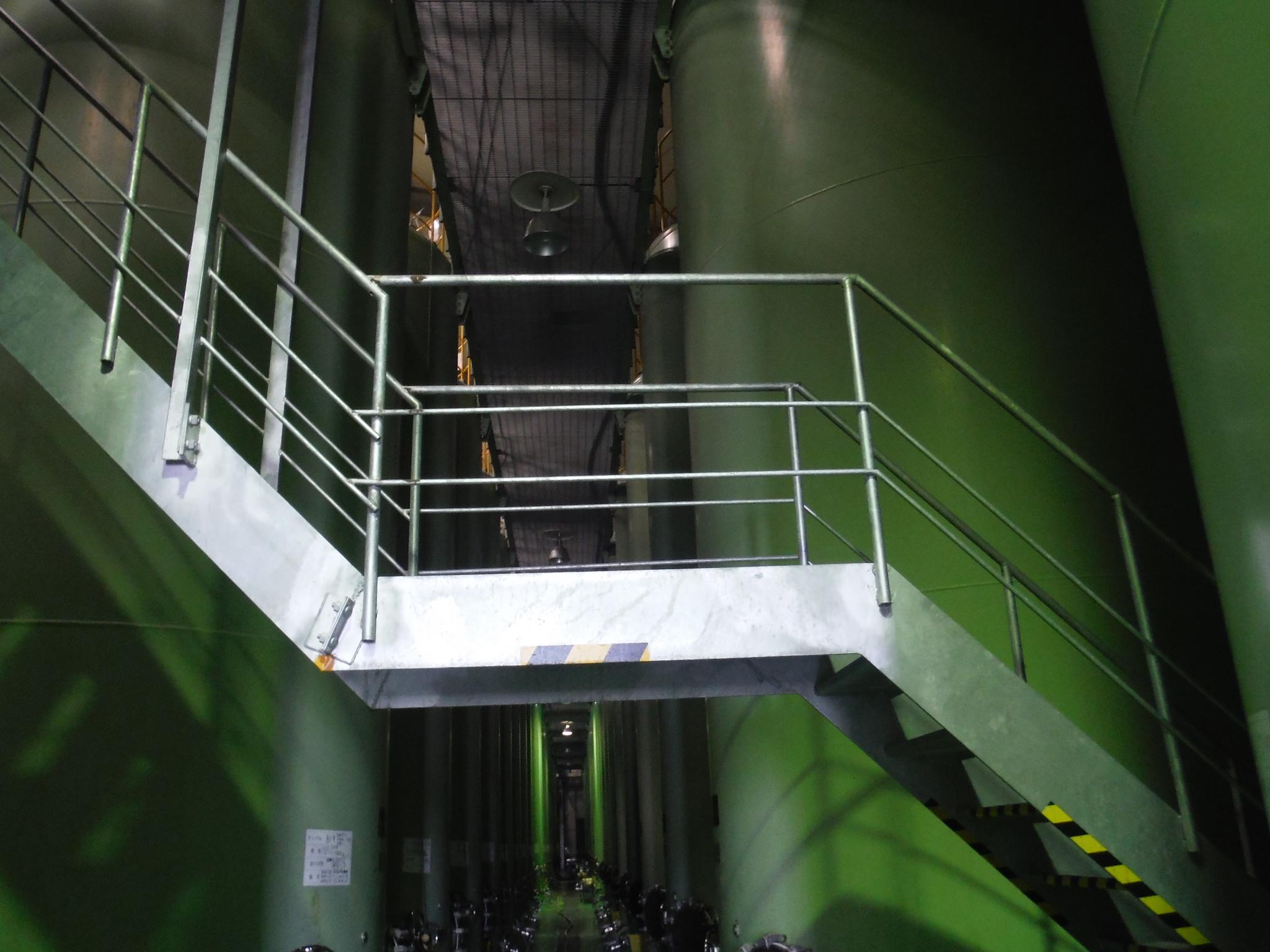 工場安全対策用架台設置